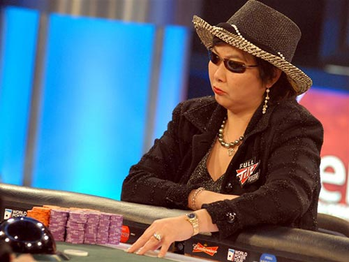 Joanne Liu at the tables