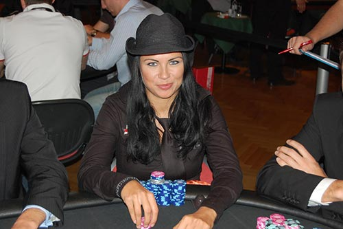 Sandra Naujoks at the tables