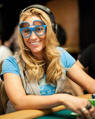 Vanessa Rrousso fun at the tables